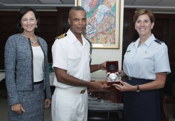 US AIR FORCE OFFICER MAKES COURTESY CALL