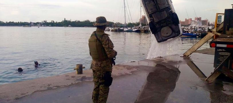 DEFENCE FORCE MILITARY DIVERS TO THE RESCUE