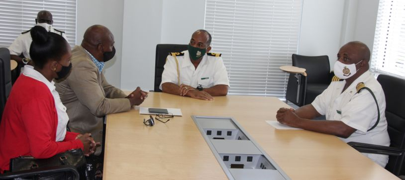 Commander Defence Force meets with RBDF Veterans Association