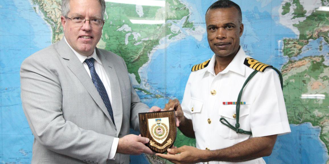 Canadian High Commissioner Visits Coral Harbour Base