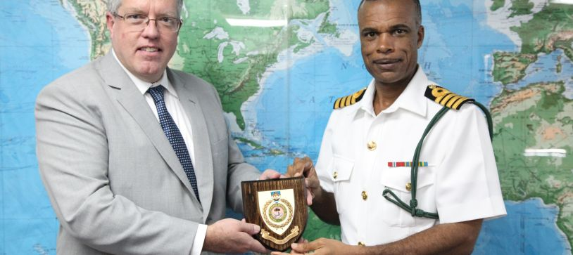 Canadian High Commissioner Visits Coral Harbour Base